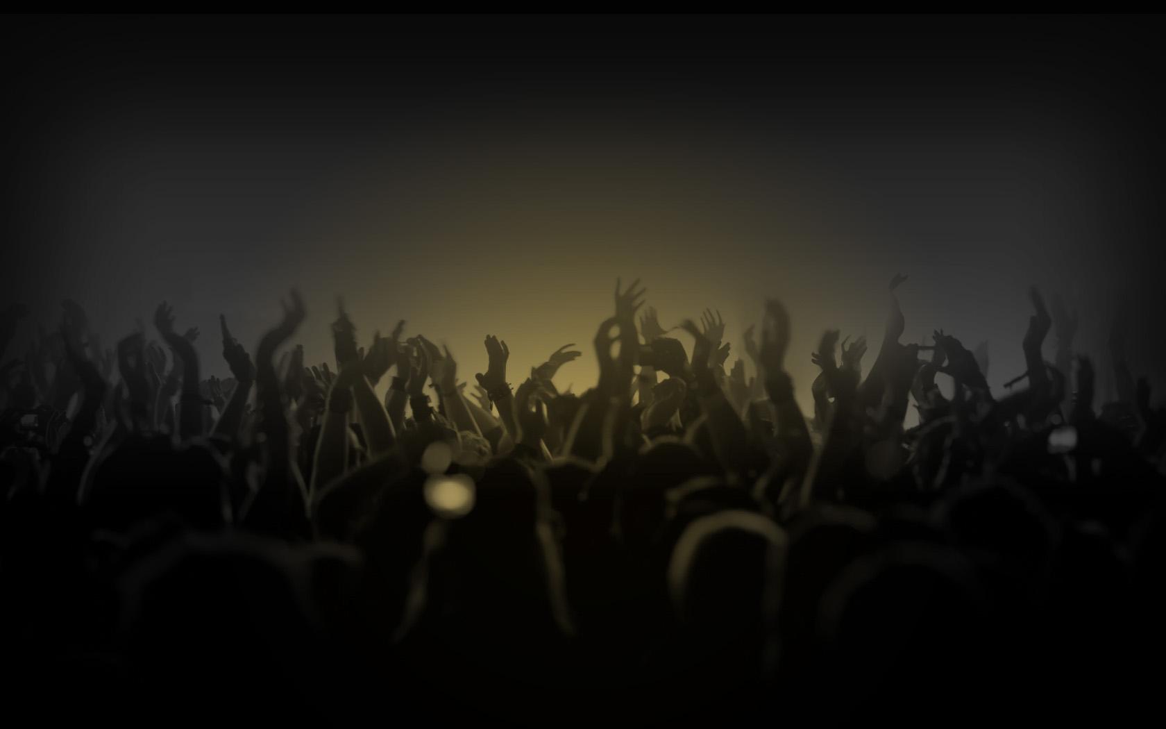 Crowd Dancing For DJ