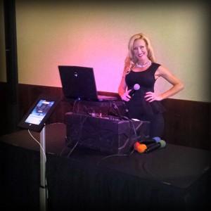 Karaoke Host Cynthia Jesseen