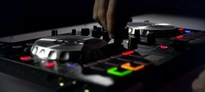 Pioneer DDJ-SB2 With DJ mixing